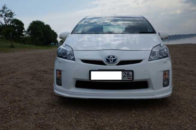 Toyota Prius, 2011 год, 735 000 руб.