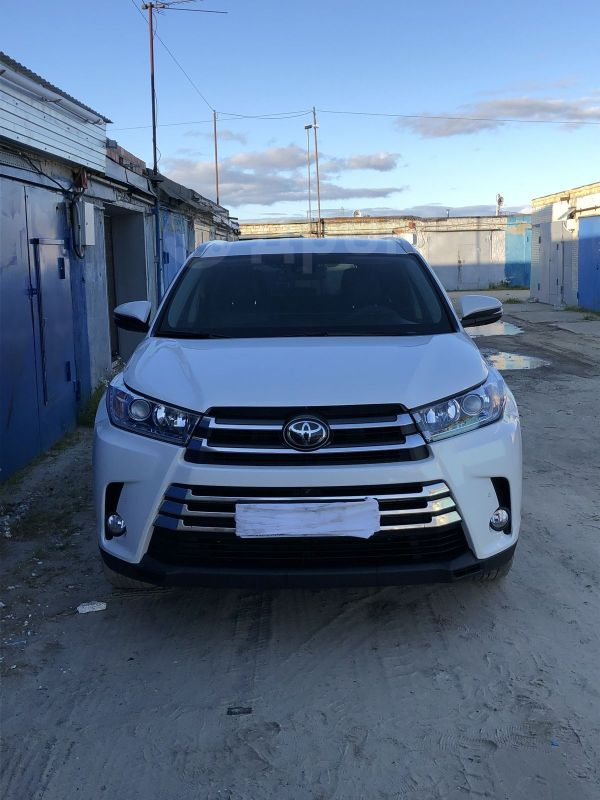 Toyota Highlander, 2017 год, 3 100 000 руб.