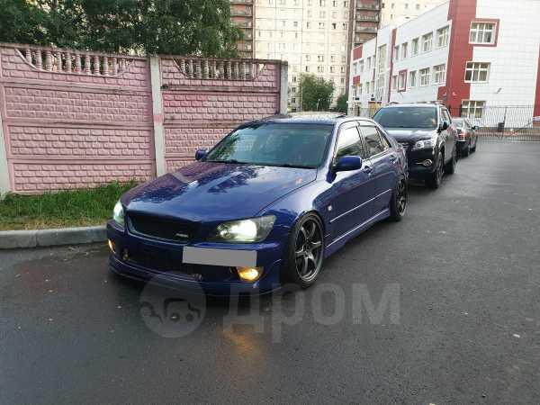 Toyota Altezza, 2002 год, 680 000 руб.