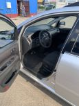 Toyota Avensis Verso, 2004 год, 580 000 руб.