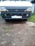 Toyota Hiace, 2000 год, 260 000 руб.