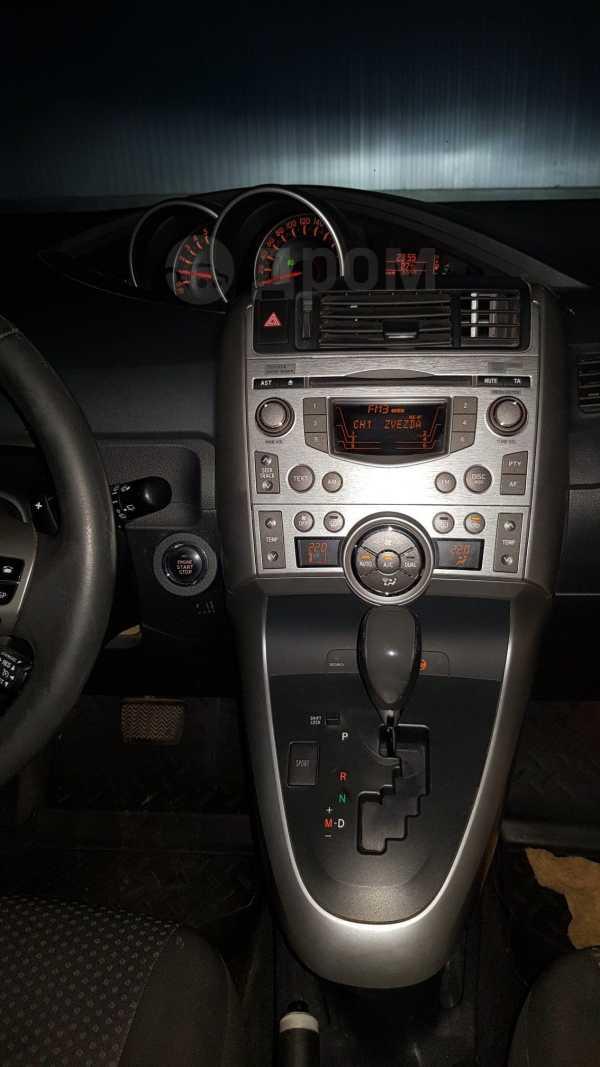 Toyota Verso, 2011 год, 690 000 руб.
