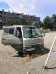 Nissan Caravan, 2000 год, 260 000 руб.