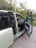 Toyota Sienta, 2009 год, 450 000 руб.