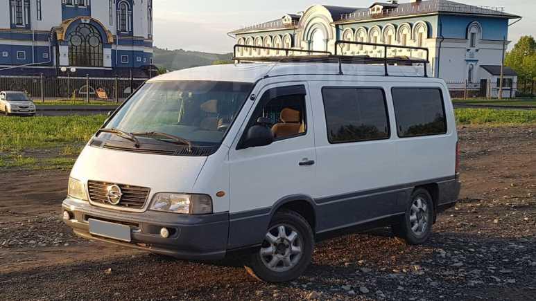 SsangYong Istana, 2002 год, 365 000 руб.