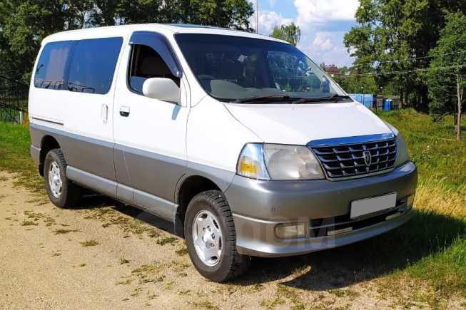 Toyota Grand Hiace, 2002 год, 720 000 руб.