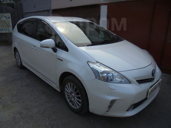 Toyota Prius a, 2013 год, 850 000 руб.
