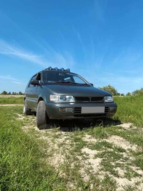 Mitsubishi Chariot, 1992 год, 160 000 руб.