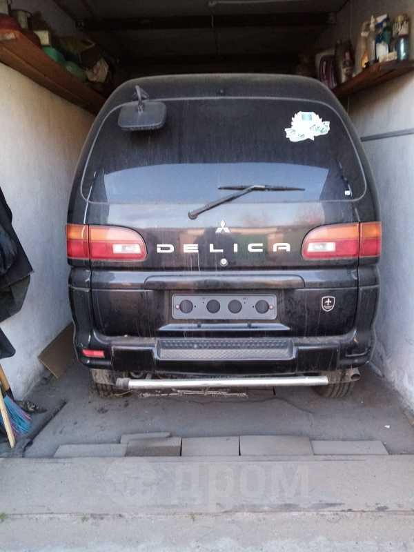 Mitsubishi Delica, 2003 год, 350 000 руб.