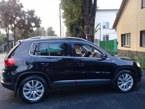 Volkswagen Tiguan, 2013 год, 900 000 руб.
