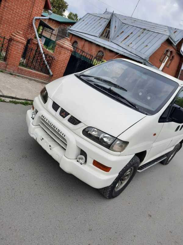 Mitsubishi Delica, 2001 год, 800 000 руб.