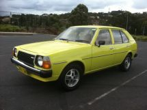 Mazda 323 1977, хэтчбек 5 дв., 1 поколение, FA