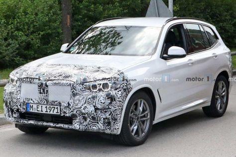 BMW впервые выкатила на тесты рестайлинговый X3 третьего поколения: видны некоторые изменения