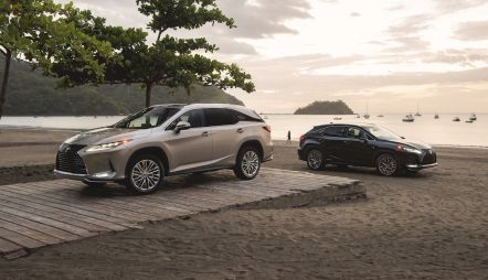 За 15 лет Lexus RX с гибридной силовой установкой превысил отметку в 475 000 проданных автомобилей