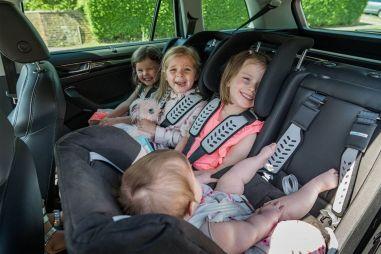 ГИБДД: каждый третий родитель не использует детские автокресла