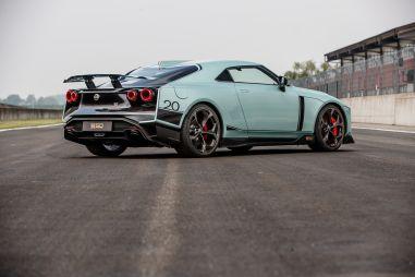 Выход следующего Nissan GT-R перенесли на более ранний срок