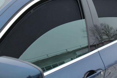 Открывать окна автомобиля во время движения оказалось крайне вредно