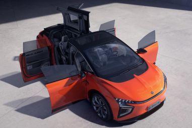 Китайский конкурент Tesla Model X удивит необычными дверьми