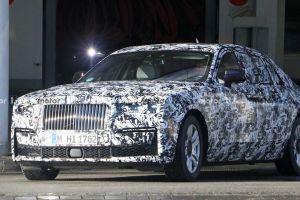 Rolls-Royce запихнет в новый Ghost центнер «шумки»