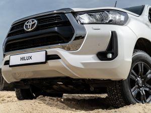 Рестайлинговые Toyota Hilux и Fortuner добрались до дилеров