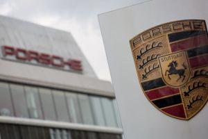 Porsche заявила о собственных махинациях с вредными выбросами, но уже с бензиновыми ДВС
