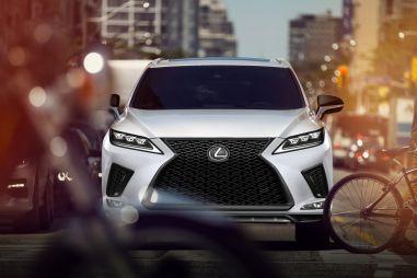 Для Lexus RX выпущена спецверсия Black Line