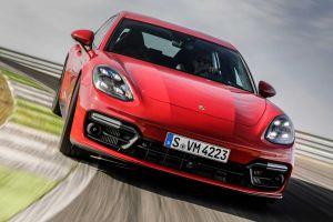 Лифтбек и универсал Porsche Panamera после обновления стали мощнее