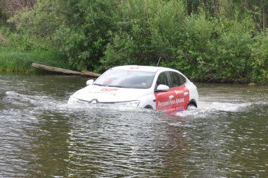Пределы проходимости: бросаем кроссовер в реку и на таежную дорогу
