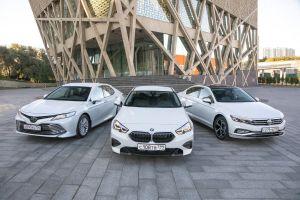 BMW 218i Gran Coupe против Toyota Camry и Volkswagen Passat. «Премиум» в базе или седан бизнес-класса на «максималках»?