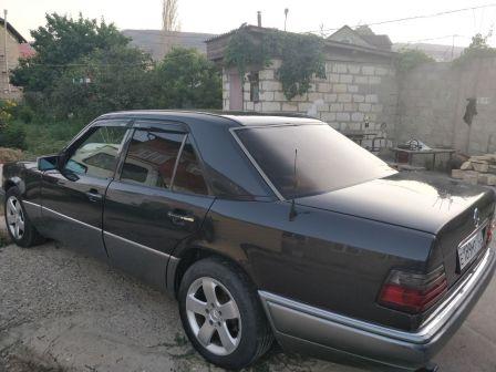 Mercedes-Benz E-Class 1994 - отзыв владельца