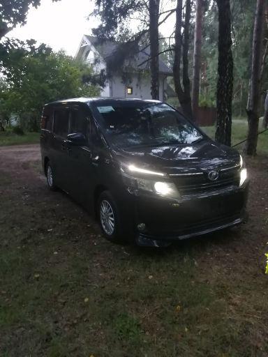 Toyota Voxy 2015 отзыв автора | Дата публикации 05.08.2020.