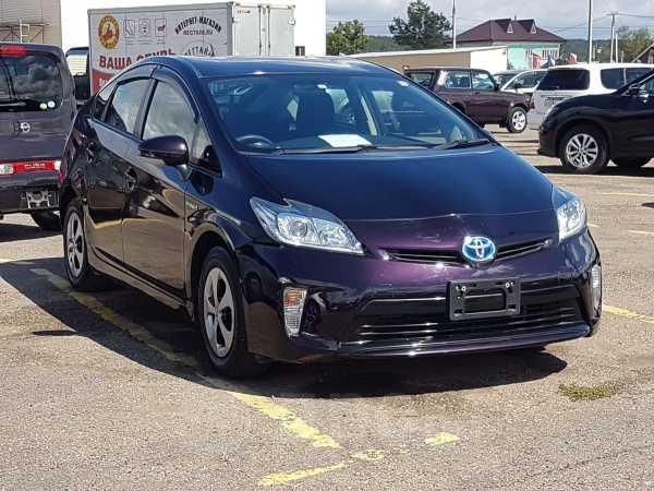 Toyota Prius, 2014 год, 925 000 руб.