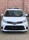 Toyota Sienna, 2018 год, 2 750 000 руб.