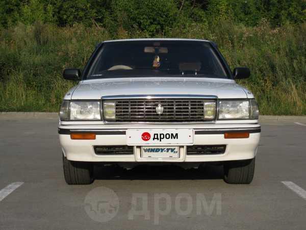 Toyota Crown, 1990 год, 305 000 руб.