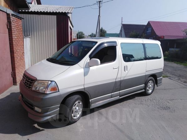 Toyota Grand Hiace, 2001 год, 450 000 руб.