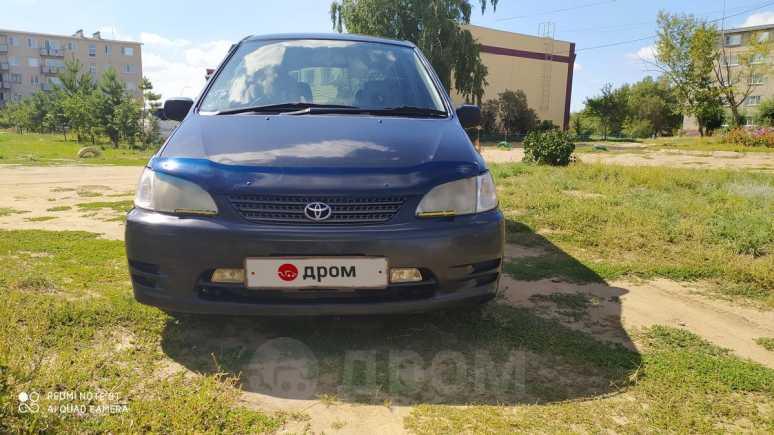 Toyota Corolla Spacio, 1999 год, 280 000 руб.