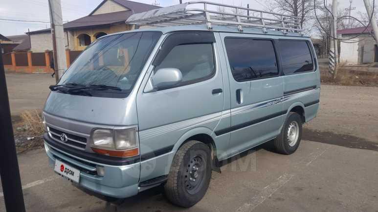 Toyota Hiace, 2002 год, 550 000 руб.