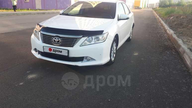 Toyota Camry, 2014 год, 825 000 руб.