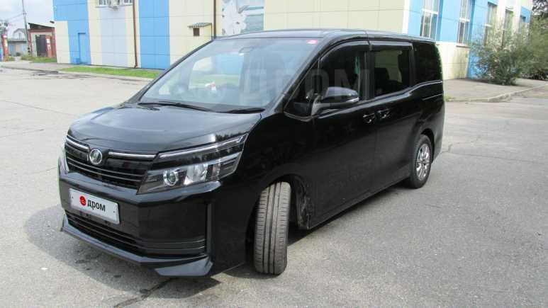 Toyota Voxy, 2016 год, 1 330 000 руб.
