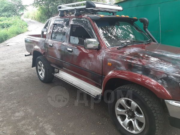 Toyota Hilux Pick Up, 1995 год, 360 000 руб.