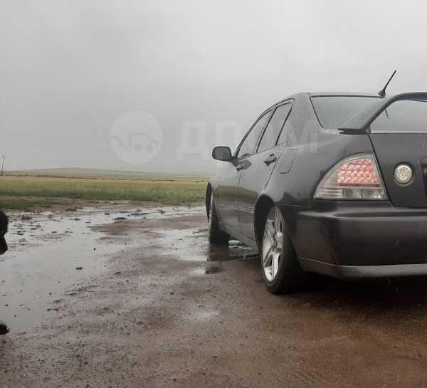 Toyota Altezza, 2000 год, 300 000 руб.