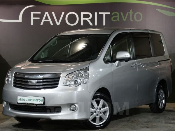 Toyota Noah, 2010 год, 869 000 руб.