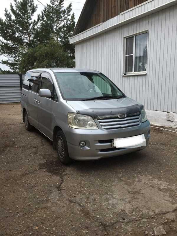Toyota Noah, 2002 год, 450 000 руб.