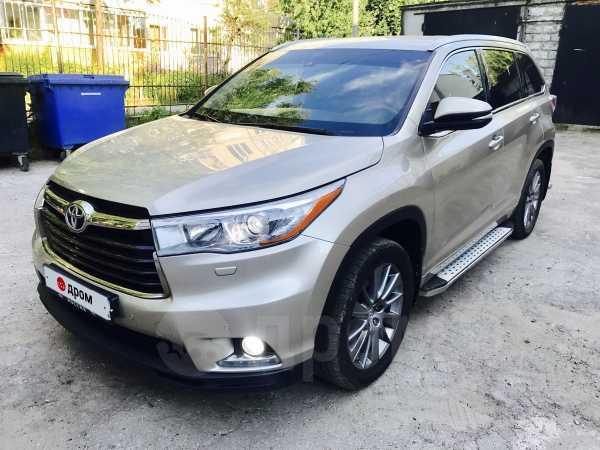 Toyota Highlander, 2015 год, 1 899 000 руб.