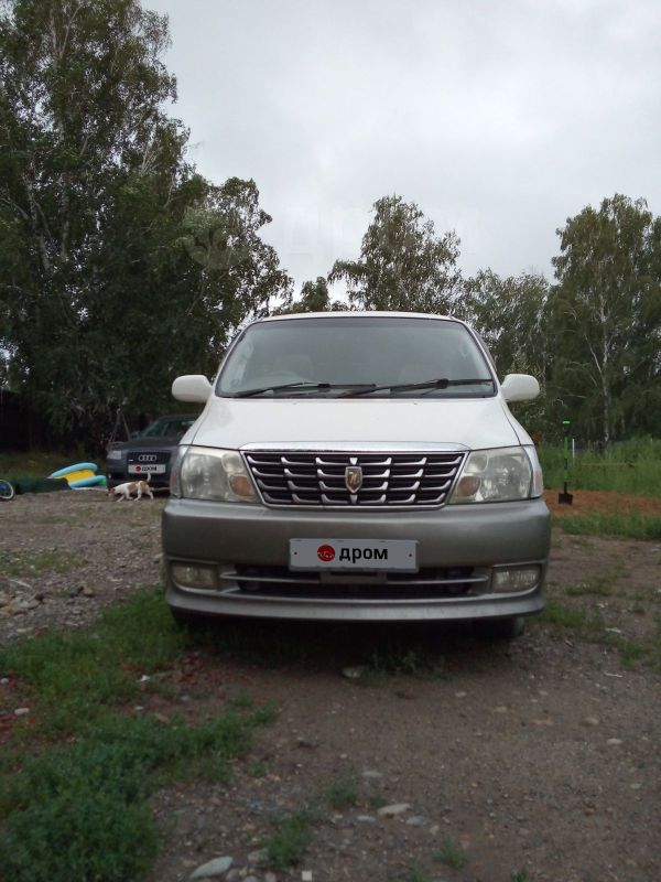 Toyota Grand Hiace, 2001 год, 740 000 руб.
