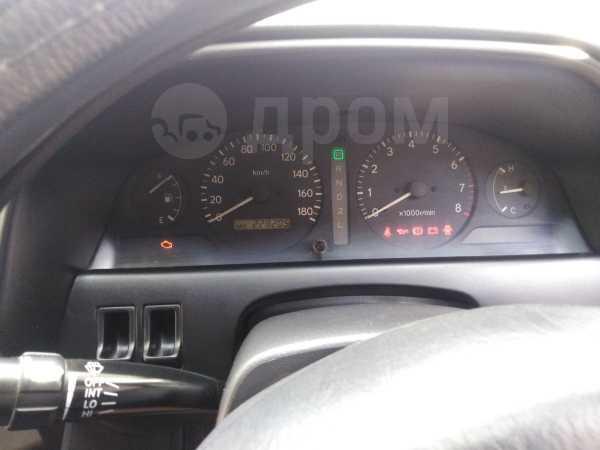 Toyota Carina, 2000 год, 330 000 руб.