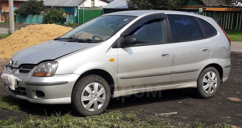 Nissan Tino, 2001 год, 190 000 руб.