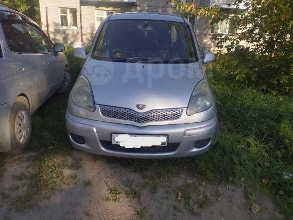 Toyota Funcargo, 2003 год, 270 000 руб.