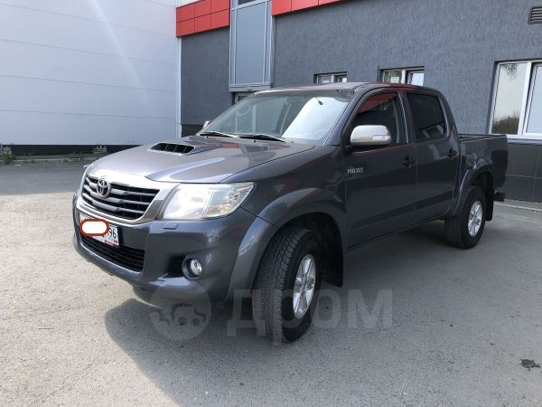 Toyota Hilux Pick Up, 2014 год, 1 240 000 руб.