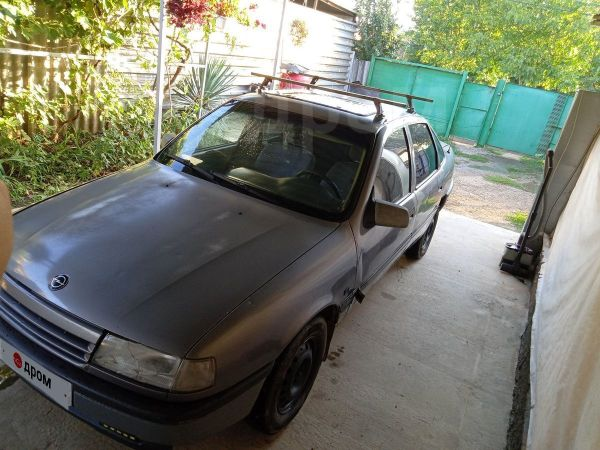 Opel Vectra, 1988 год, 65 000 руб.